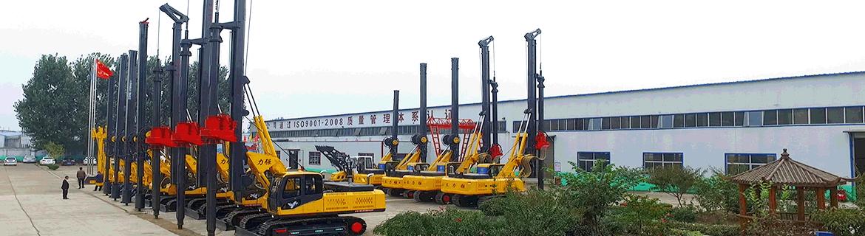 小型旋挖机厂家生产的LD-360°轮式长螺旋打桩机图片展示