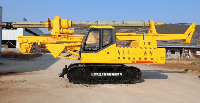 以下图片是摩阻杆小型旋挖钻机:价格38.8-42.8万