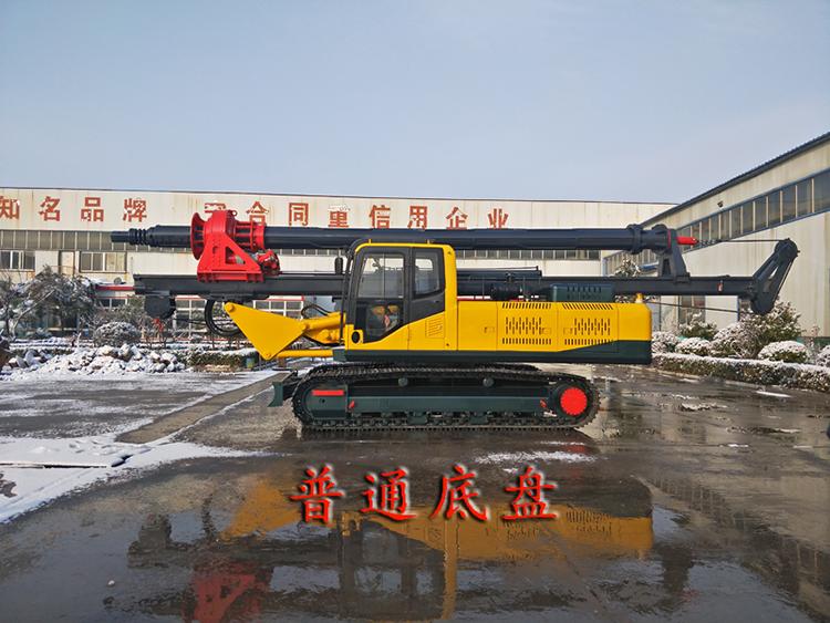 山东滕州旋挖钻机生产的28米机锁杆旋挖机正面展示图片