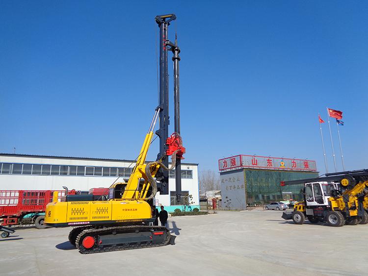 山东滕州旋挖钻机厂家生产的机锁杆旋挖机图片展示