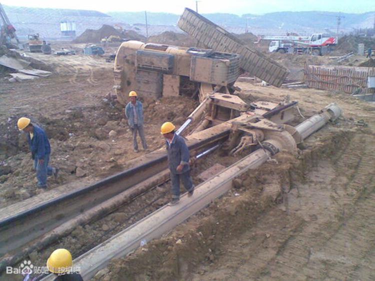 旋挖机翻车事故一旦发生后果将很严重