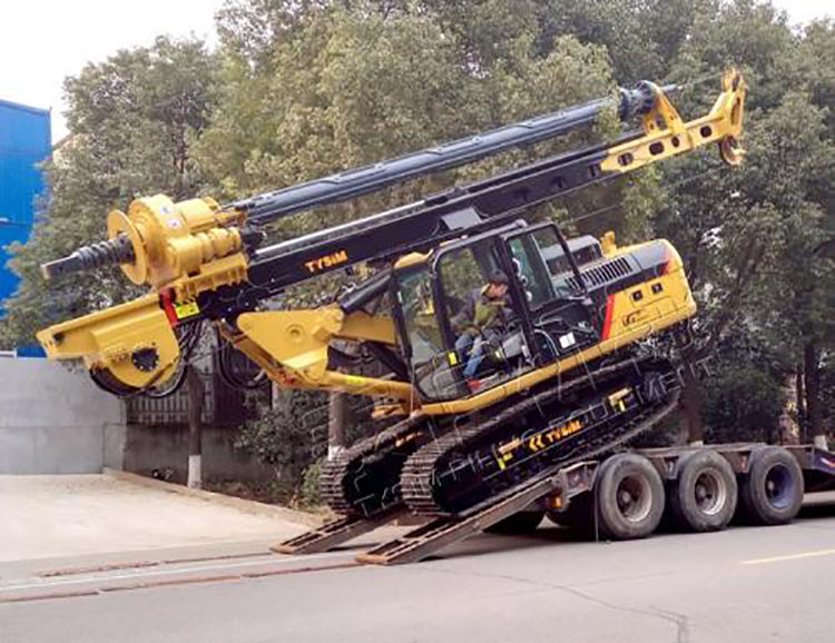 旋挖机的运输图片